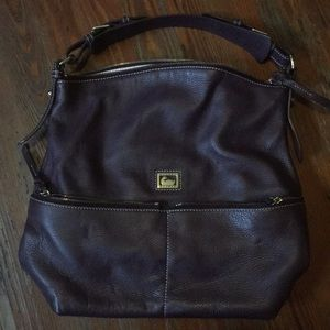 Plum leather Dooney & Bourke shoulder bag